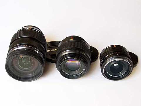 12-40mm/F2.8 - 25mm/F1.4 - 15mm/F1.7